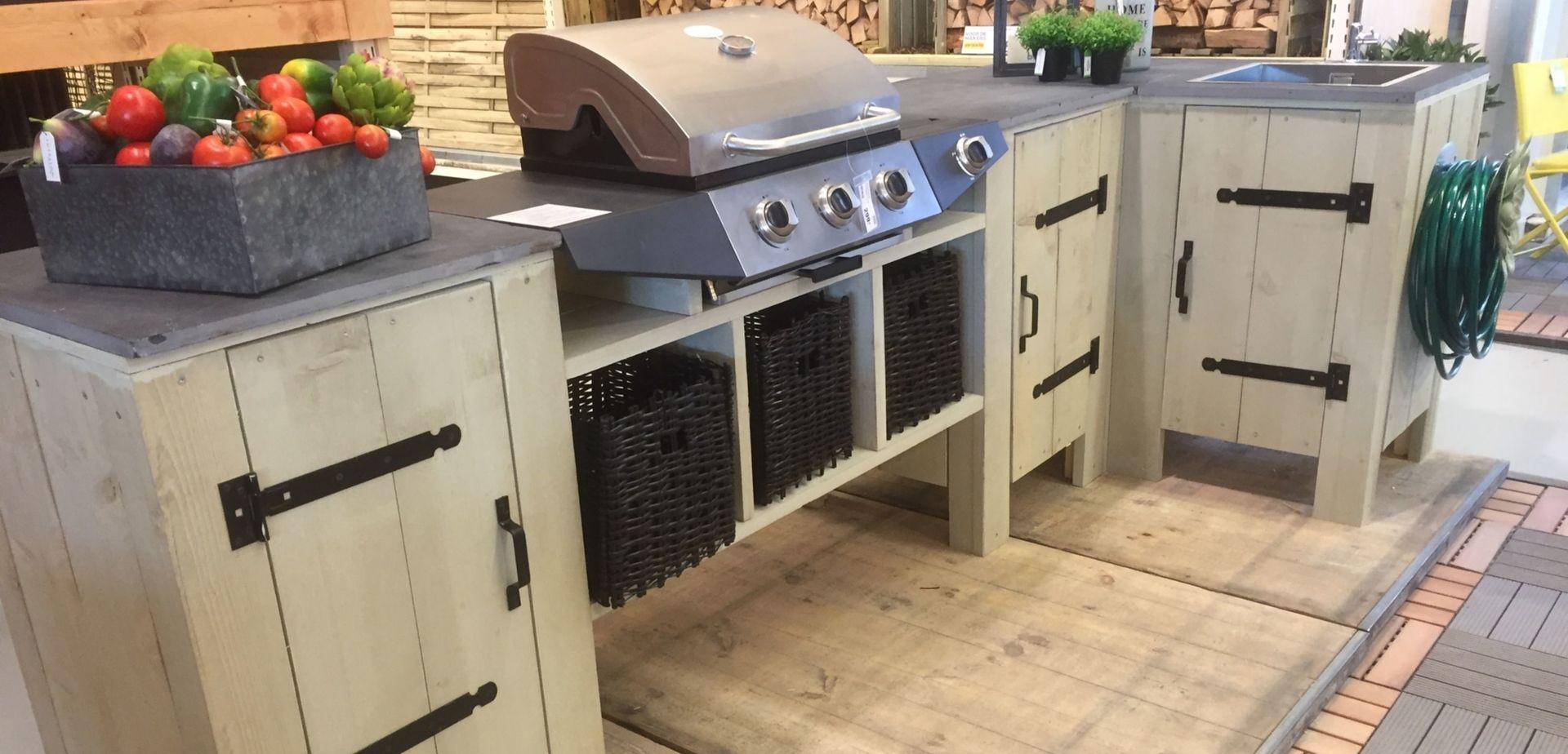 buitenkeuken van steigerhout barbecuemeubel. Black Bedroom Furniture Sets. Home Design Ideas