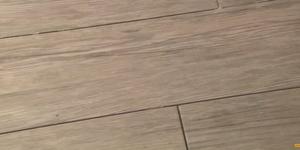 Tegels met houtlook leggen