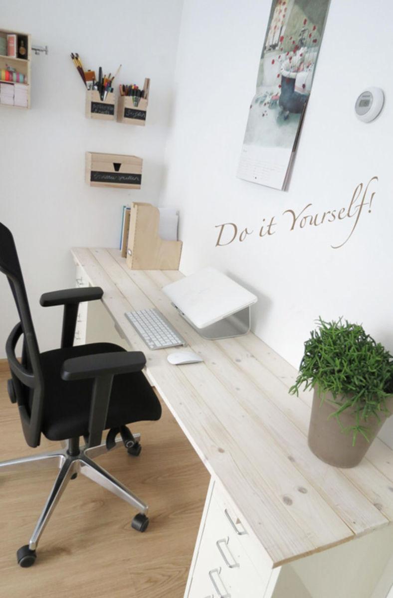 Houten Bureau Verven.Bureau Maken Van Ikea Ladeblokken Steigerhout Voordemakers Nl