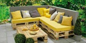 Loungebank en tafel met pallets maken