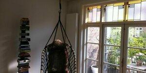 Hangstoel in de woonkamer