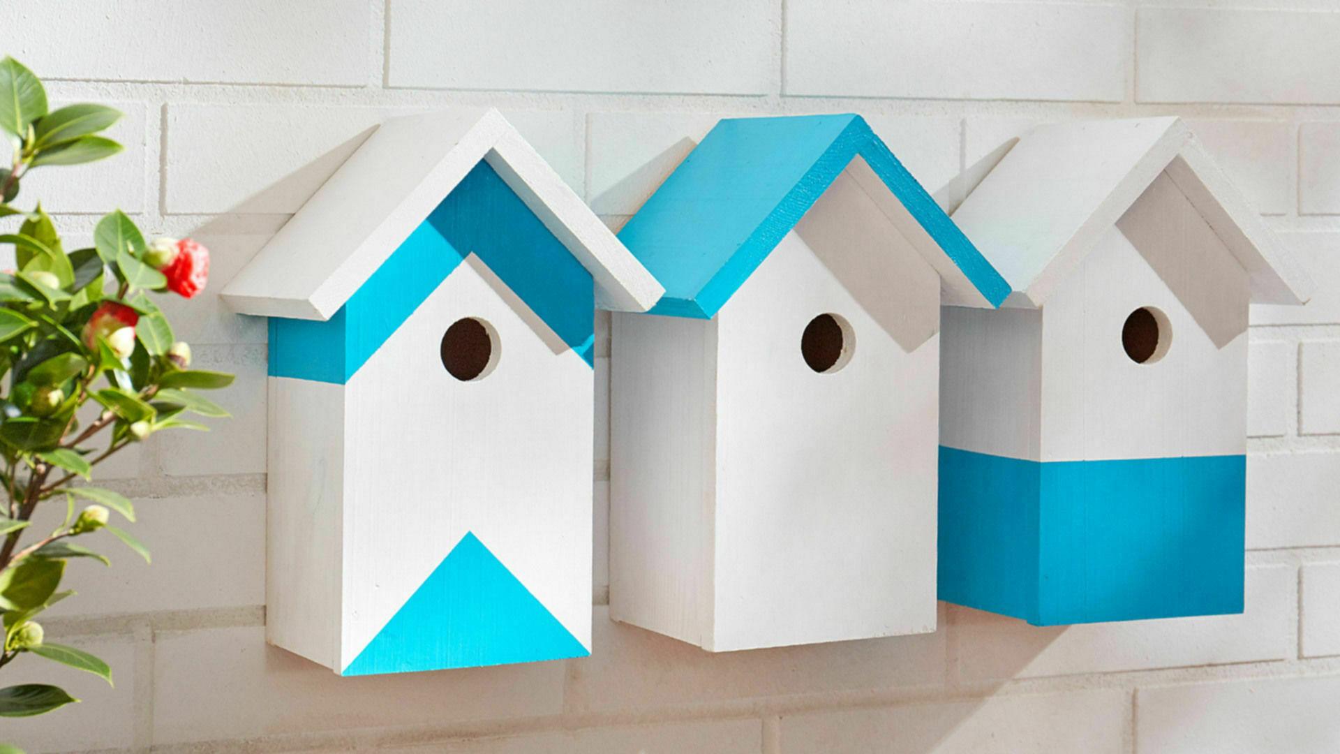 Kinderkamer Behang Vogelhuisjes : Houten vogelhuisjes voordemakers