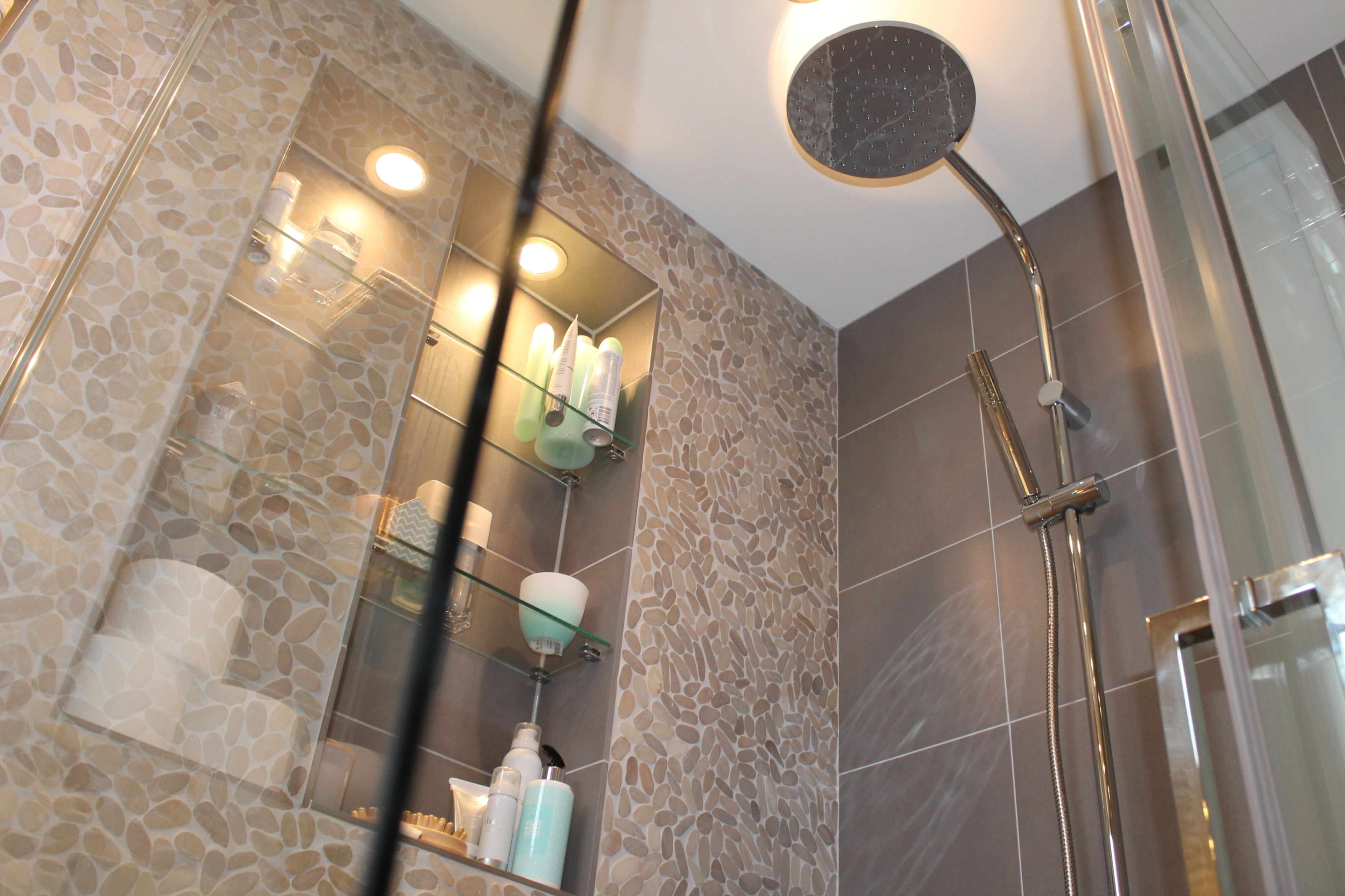 Alles over badkamer bad en douche vind je op praxis praxis