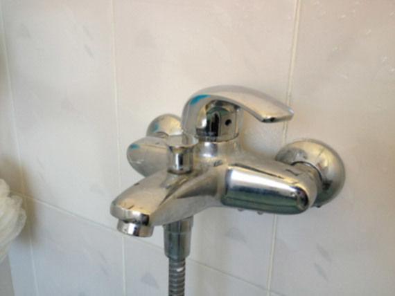 Mengkraan bad/douche werkt niet goed | voordemakers.nl