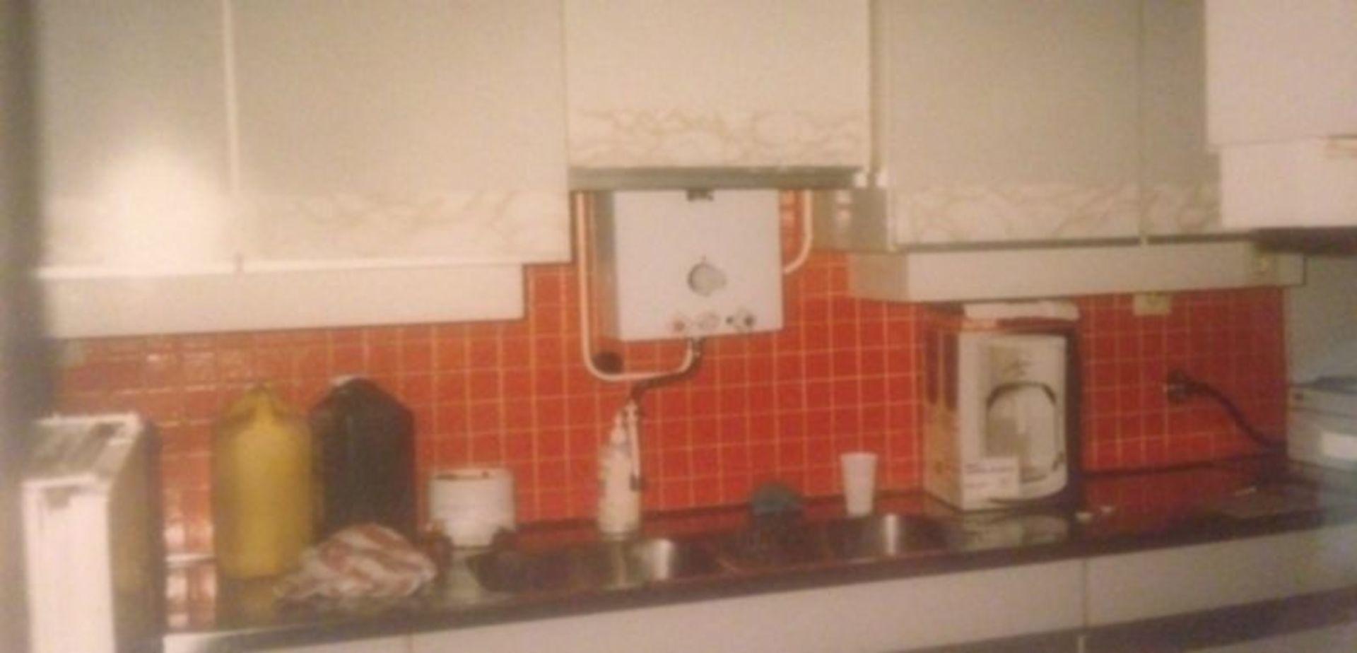 Oude keuken omtoveren naar een moderne keuken - Kleur verf moderne keuken ...