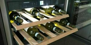 Wijn koelkast in keuken kasten wand (TIP)