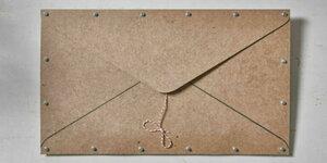 Surprise: Houten envelop
