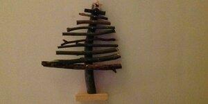Kinderen maken hun eigen kerstboom