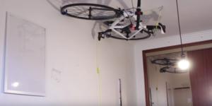 Fiets aan je plafond hangen! (met video)