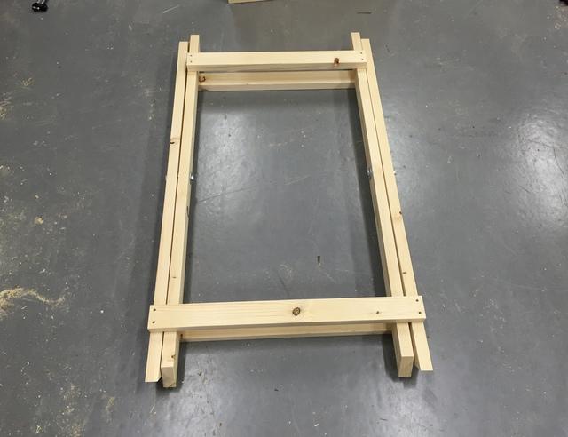 Houten frame voor tafel maken stalen onderstel tafel laten