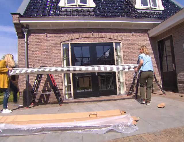 Zonwering Slaapkamer 14 : Zonwering met knikarmscherm plaatsen voordemakers.nl