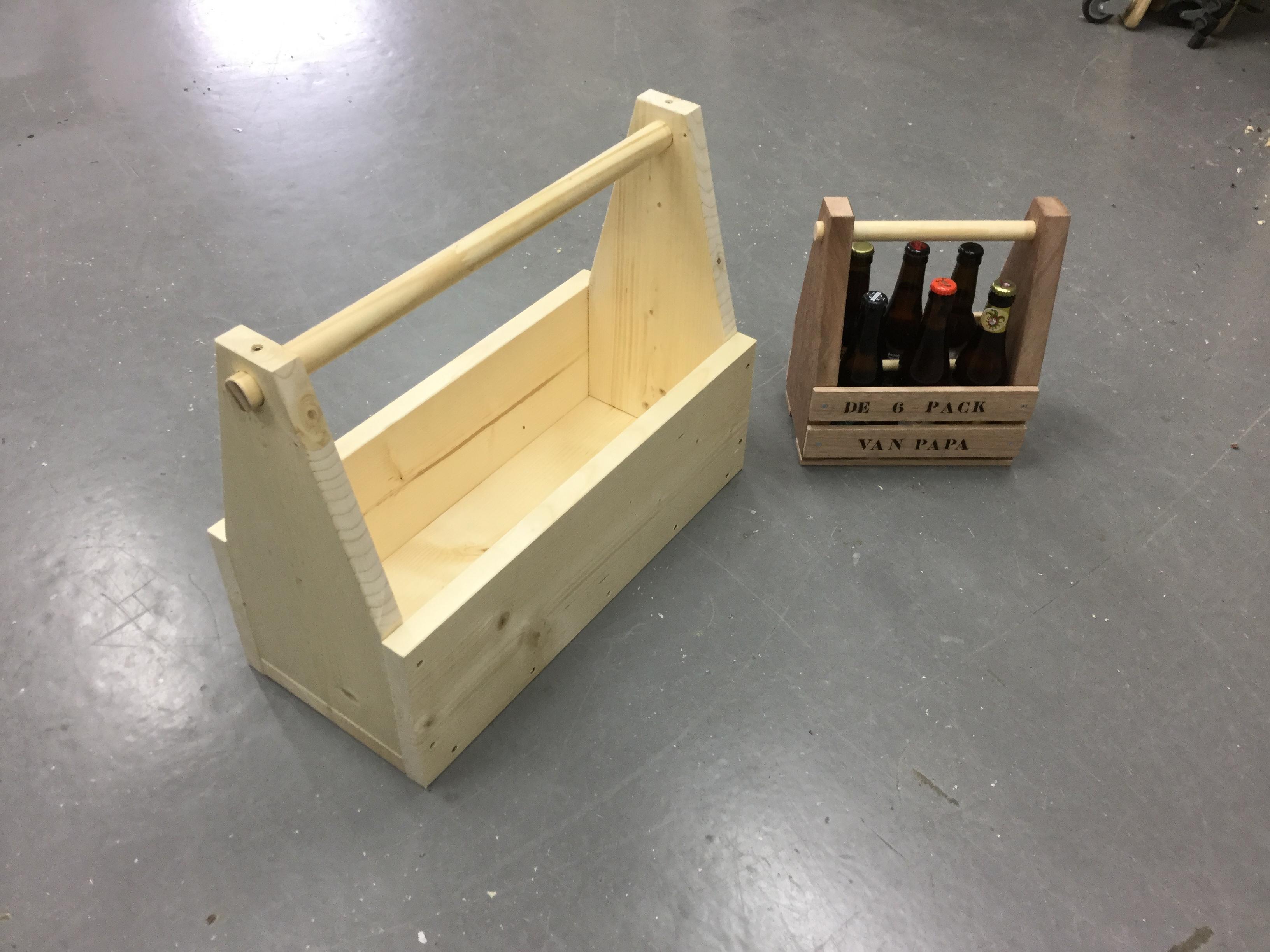 Populair 6 pack houder maken van hout | voordemakers.nl #NM91