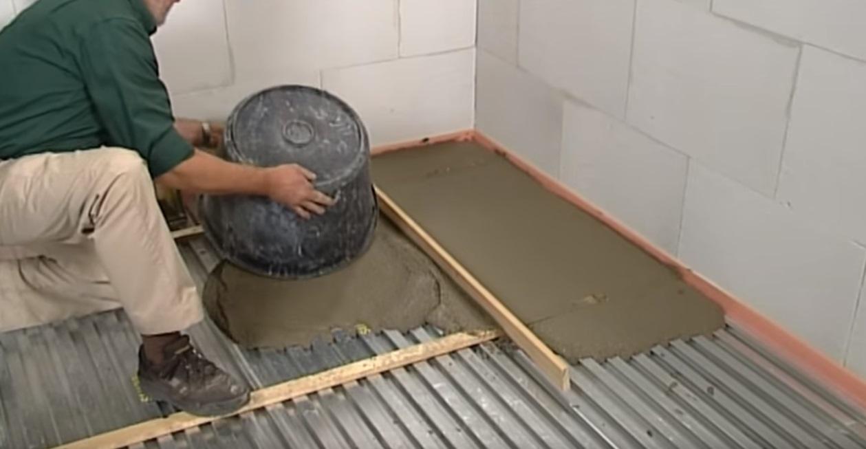 Badkamer Vloer Storten : Het storten van lichtgewicht beton voordemakers
