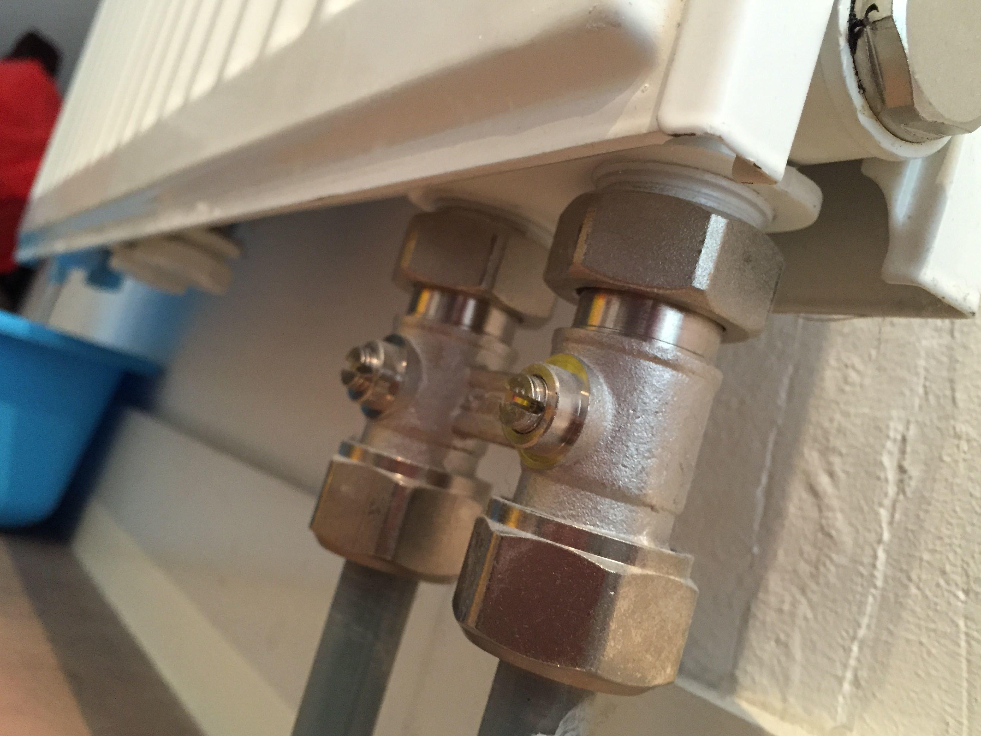 Radiator Slaapkamer Meubels : Fond radiatoren te koop in lubbeek binkom dehands be