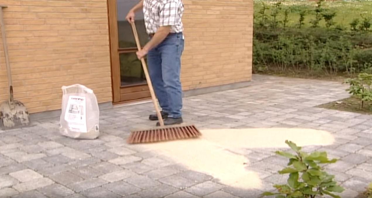 Het invoegen van een betonnen bestrating | voordemakers.nl