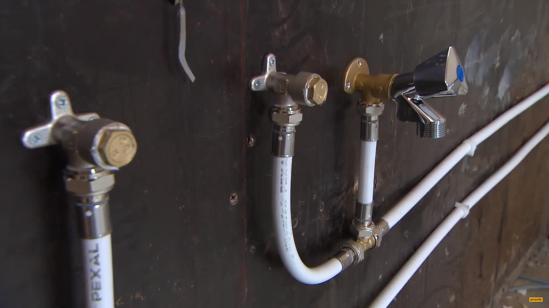 Zeer Water en gas leiding verplaatsen | voordemakers.nl SK61