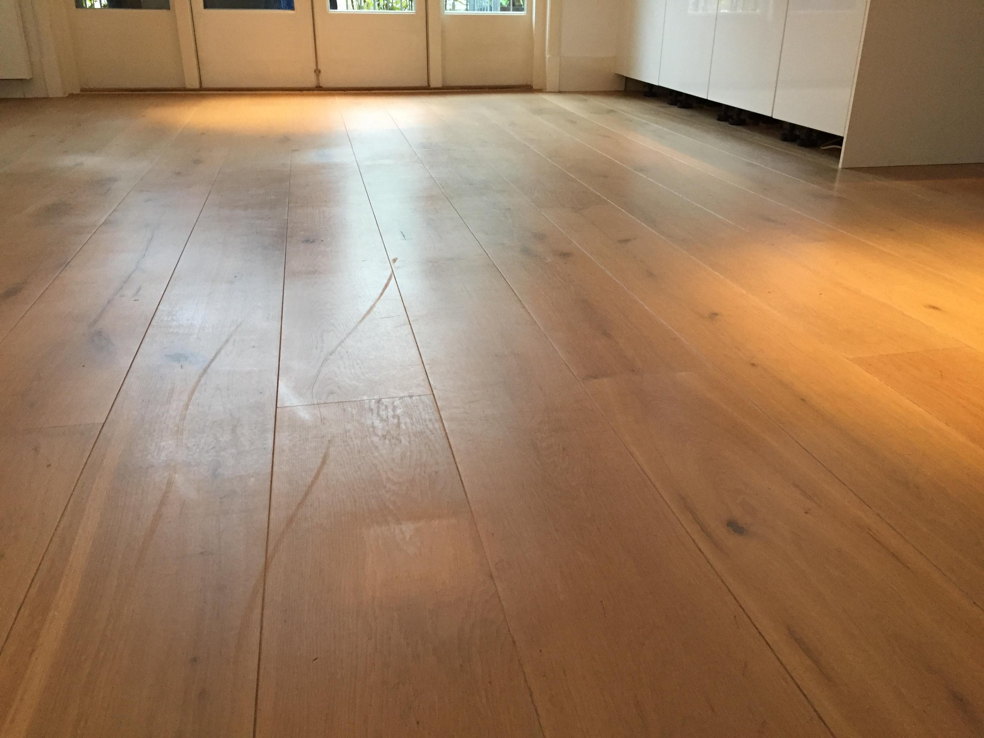 houten vloer opnieuw in de olie voordemakers