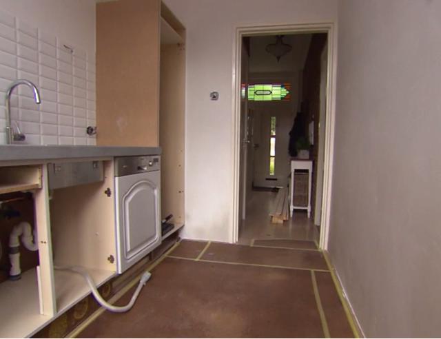 Keukenkast maken + greepjes aanbrengen   voordemakers nl