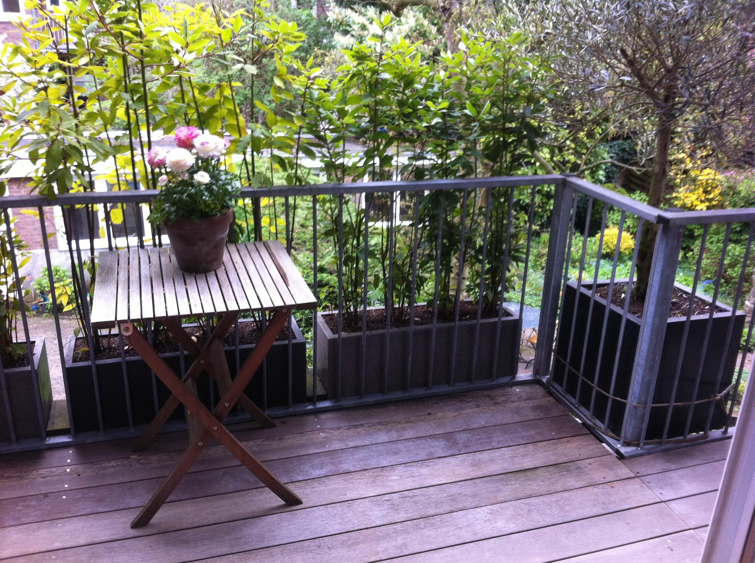 Bloembakken Voor Balkon.Meer Ruimte Op Je Balkon Voordemakers Nl