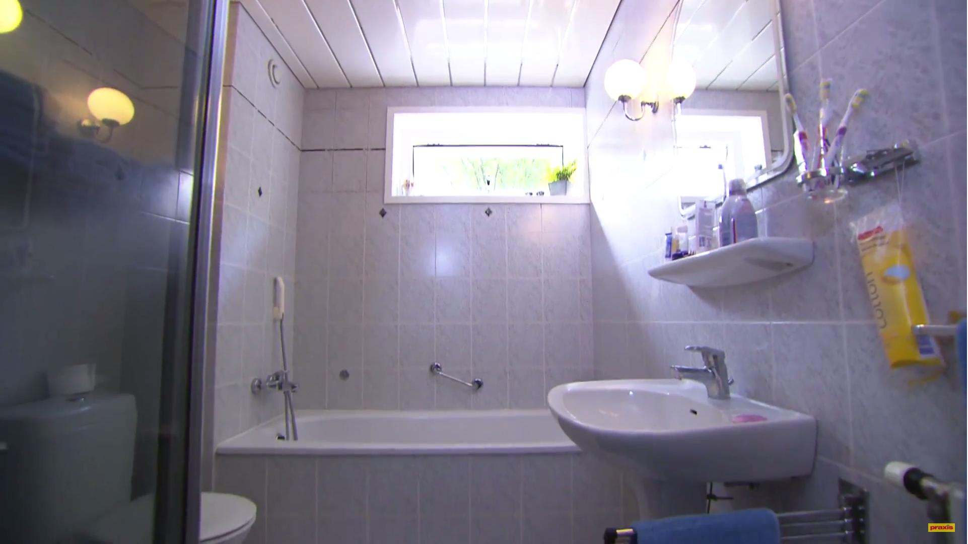 Badkamer Douche Plaatsen : Douchecabine plaatsen sealskin i am serie swingdeur voor nis