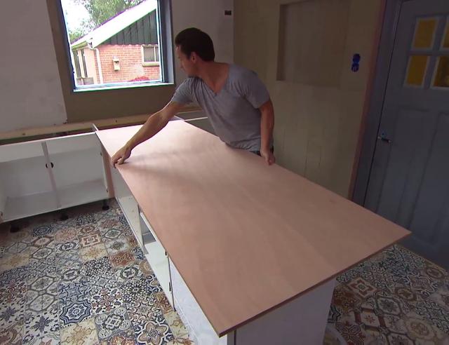 Werkblad en deurtjes maken van hardhout multiplex for Betonnen wasbak maken eigen huis en tuin