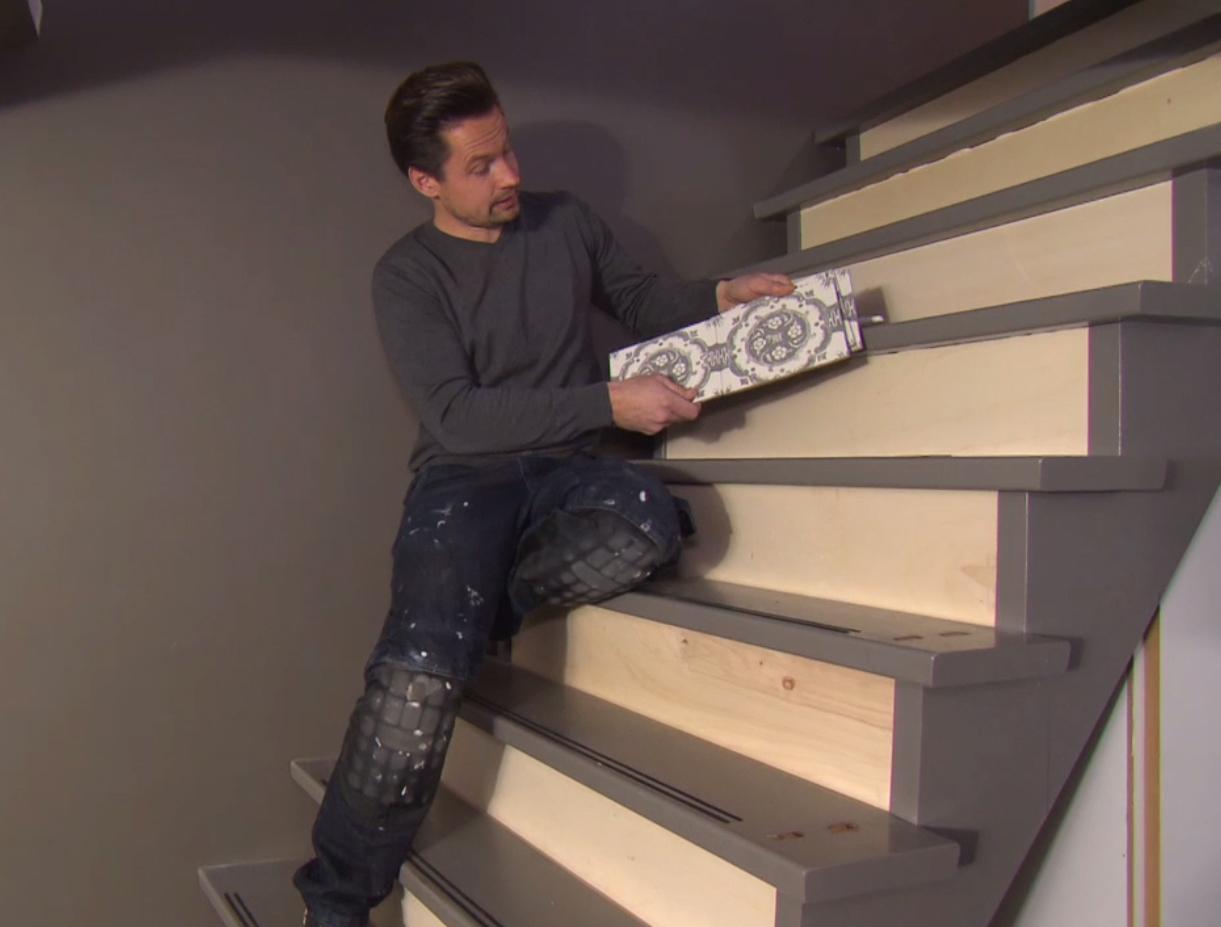 Trap bekleden met tegels for Stootborden trap maken