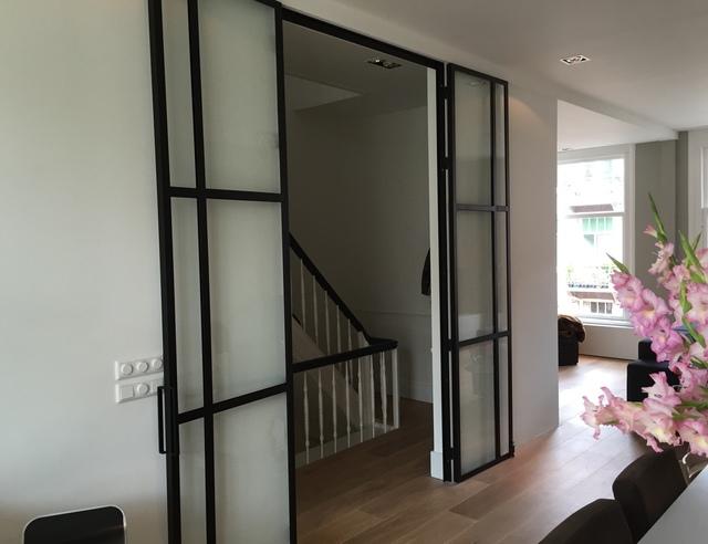 Stalen binnendeuren & raam | voordemakers.nl