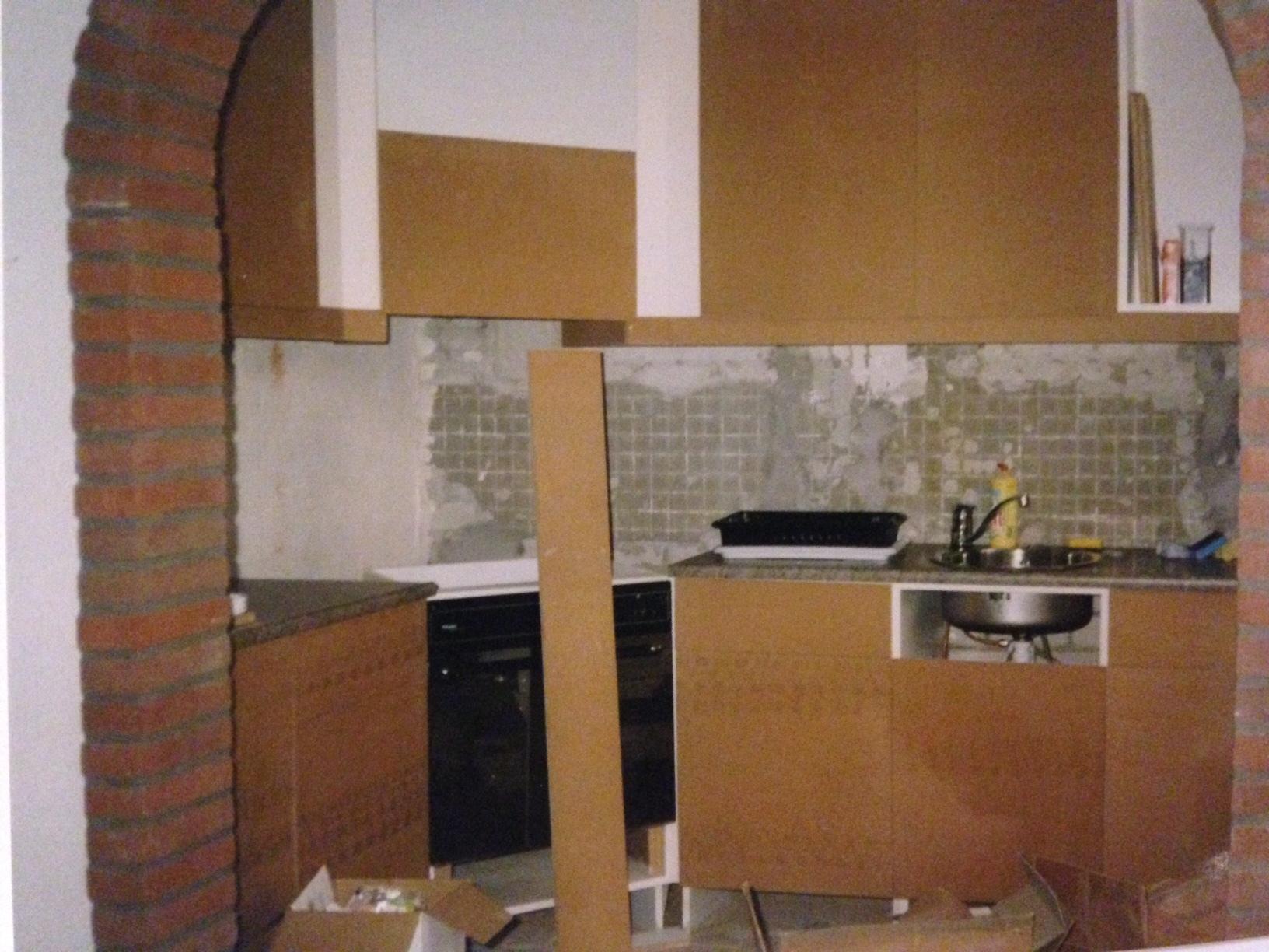 Oude keuken omtoveren naar een moderne keuken voordemakers.nl