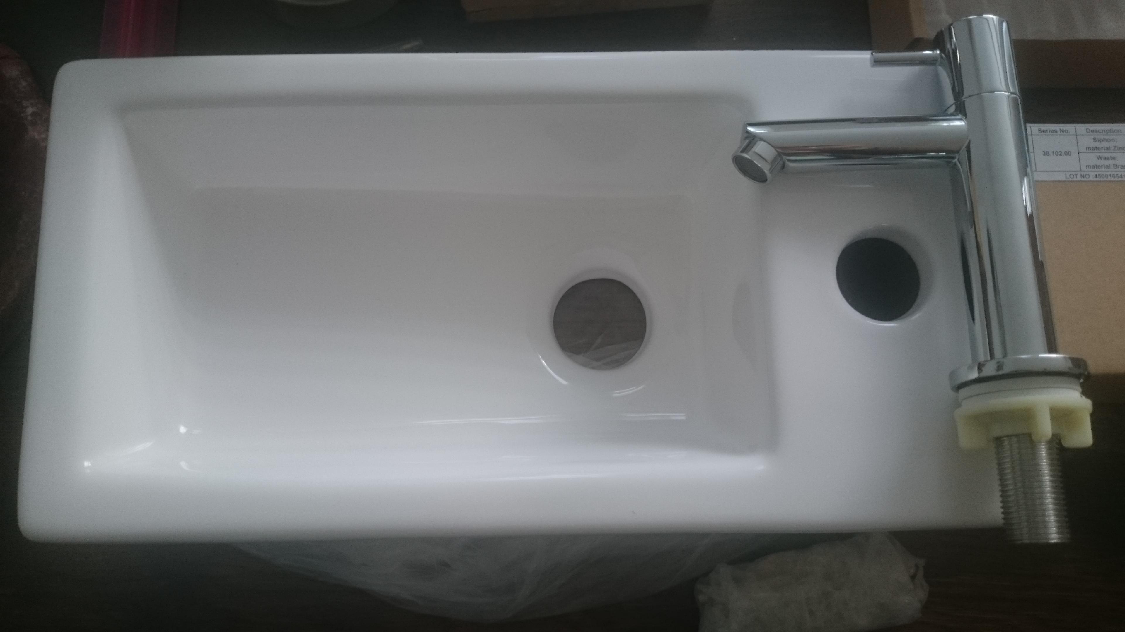 Praxis Toilet Fontein : Toilet vernieuwd: zwevend toilet gemaakt en opnieuw betegeld