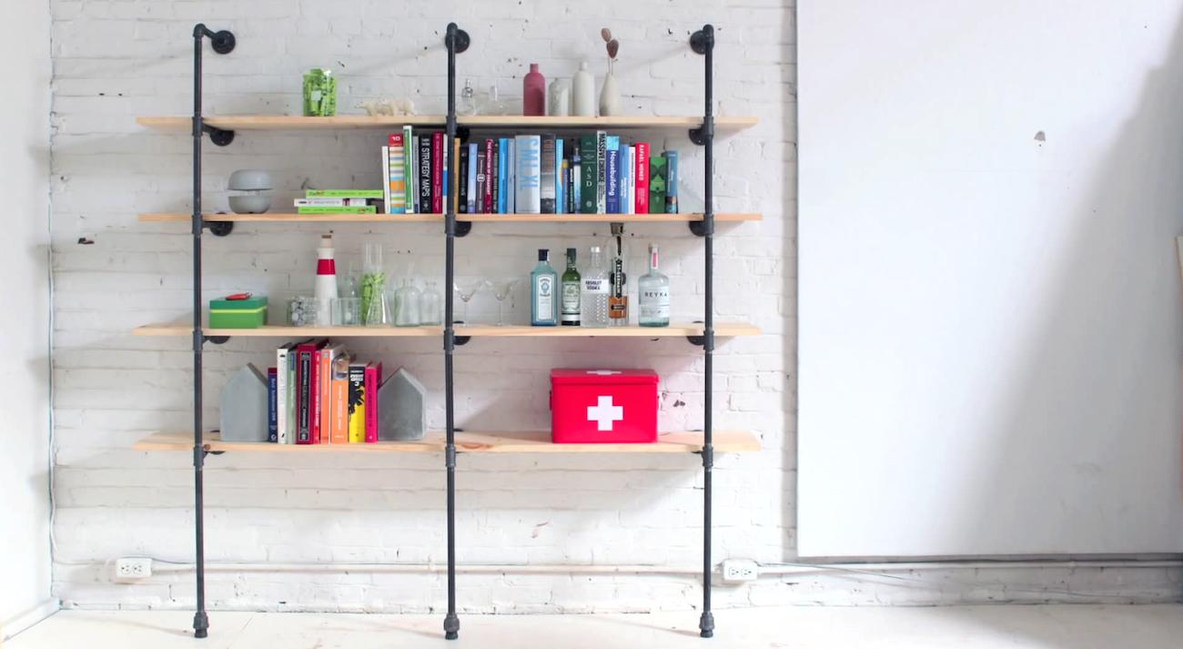 omdat de koppelstukken in alle vormen en maten zijn is het samenstellen van een boekenkast een eitje
