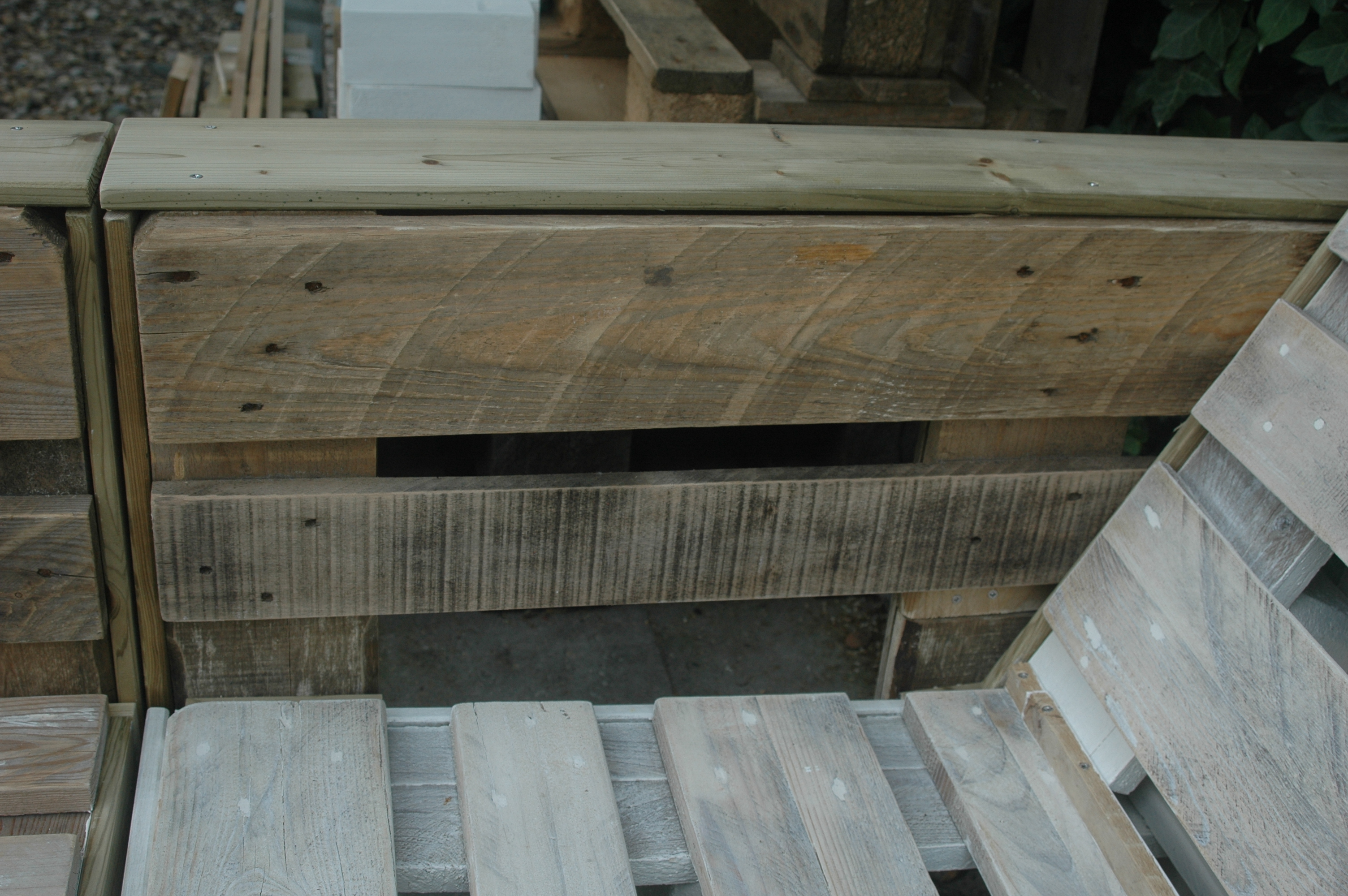 Loungebank van pallets voordemakers