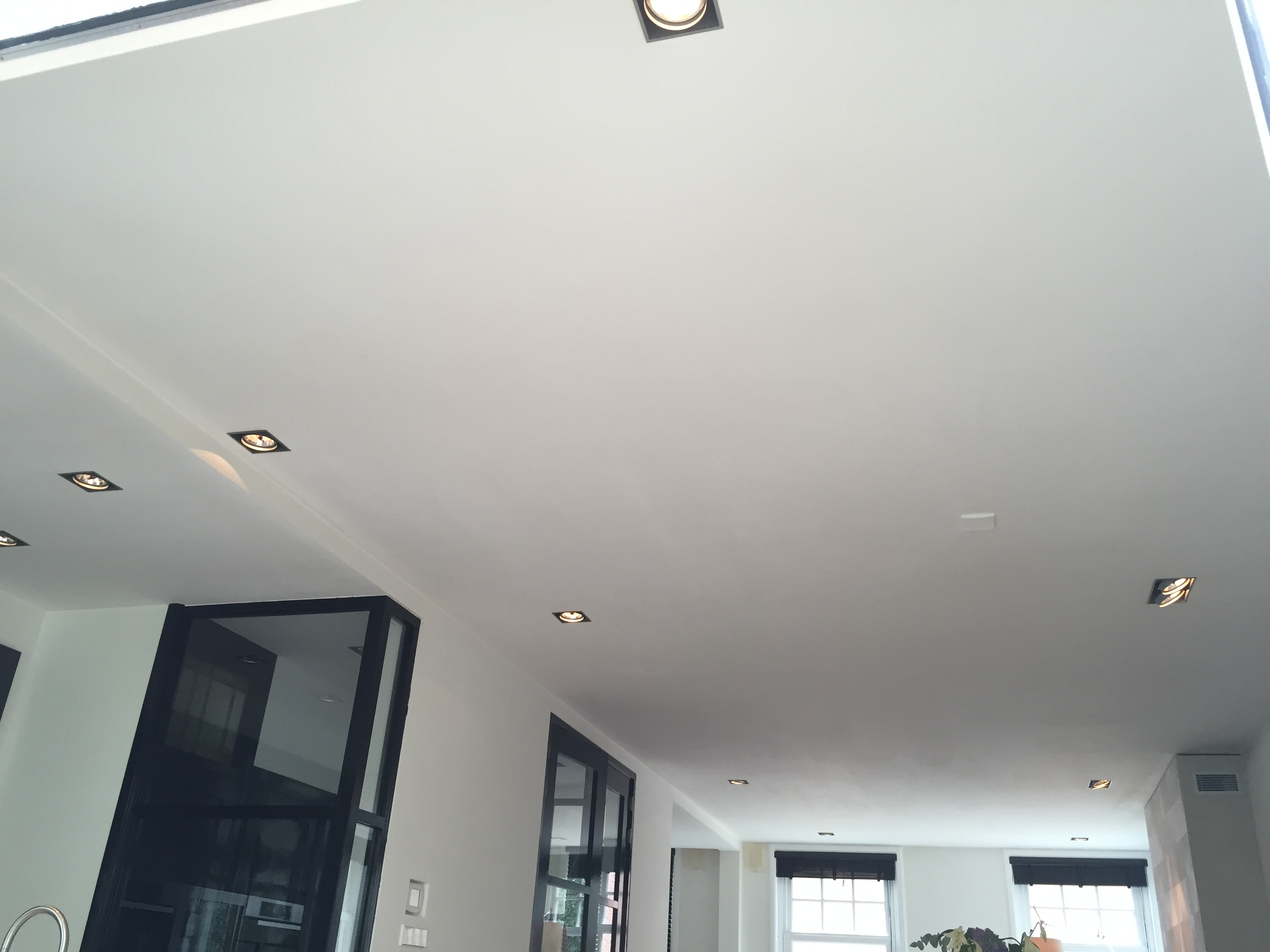 Spots Plafond Woonkamer : Alle lichtschakelaars & dimmers bij elkaar tip voordemakers.nl