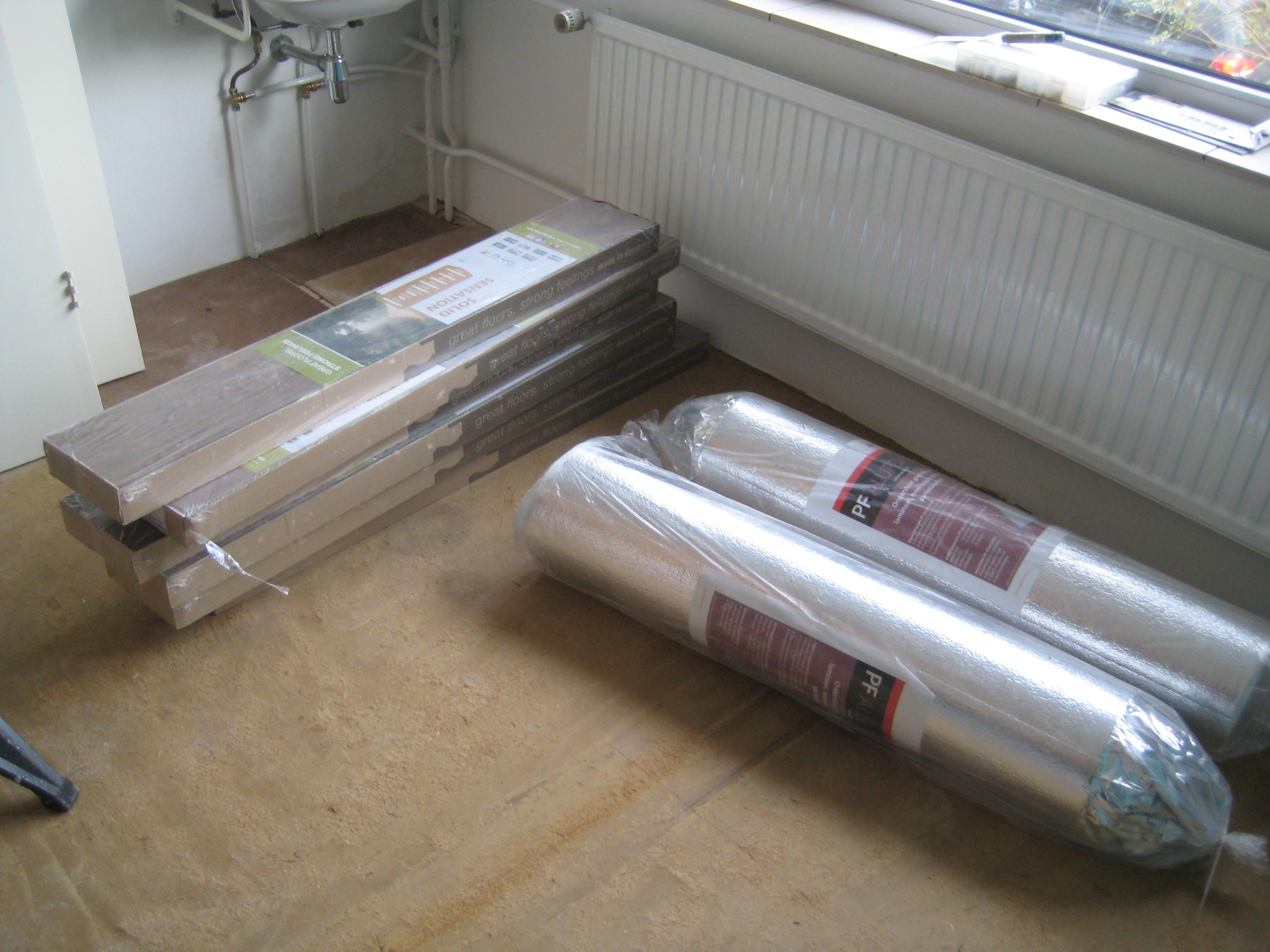 Laminaat Leggen Slaapkamer : Welke vloer is het meest ideaal voor op je slaapkamer nieuwe wonen