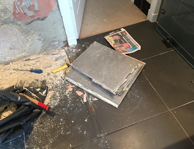 Tegels Badkamer Repareren : Tegel reparatie badkamer voordemakers