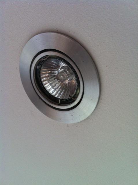 halogeen lampje vervangen voordemakers