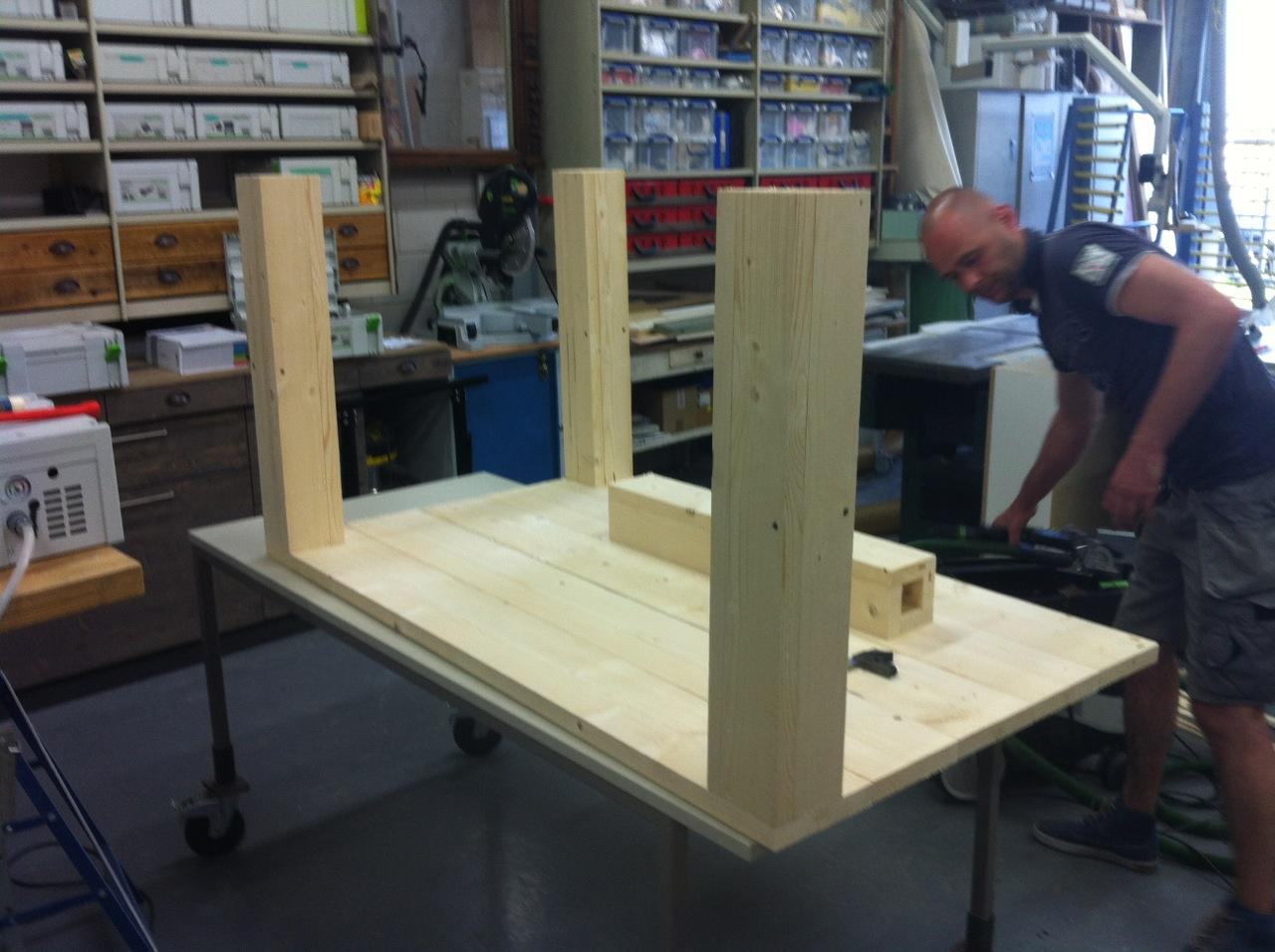 Steigerhouten Tafel Maken : Buitentafel van steigerhout voordemakers
