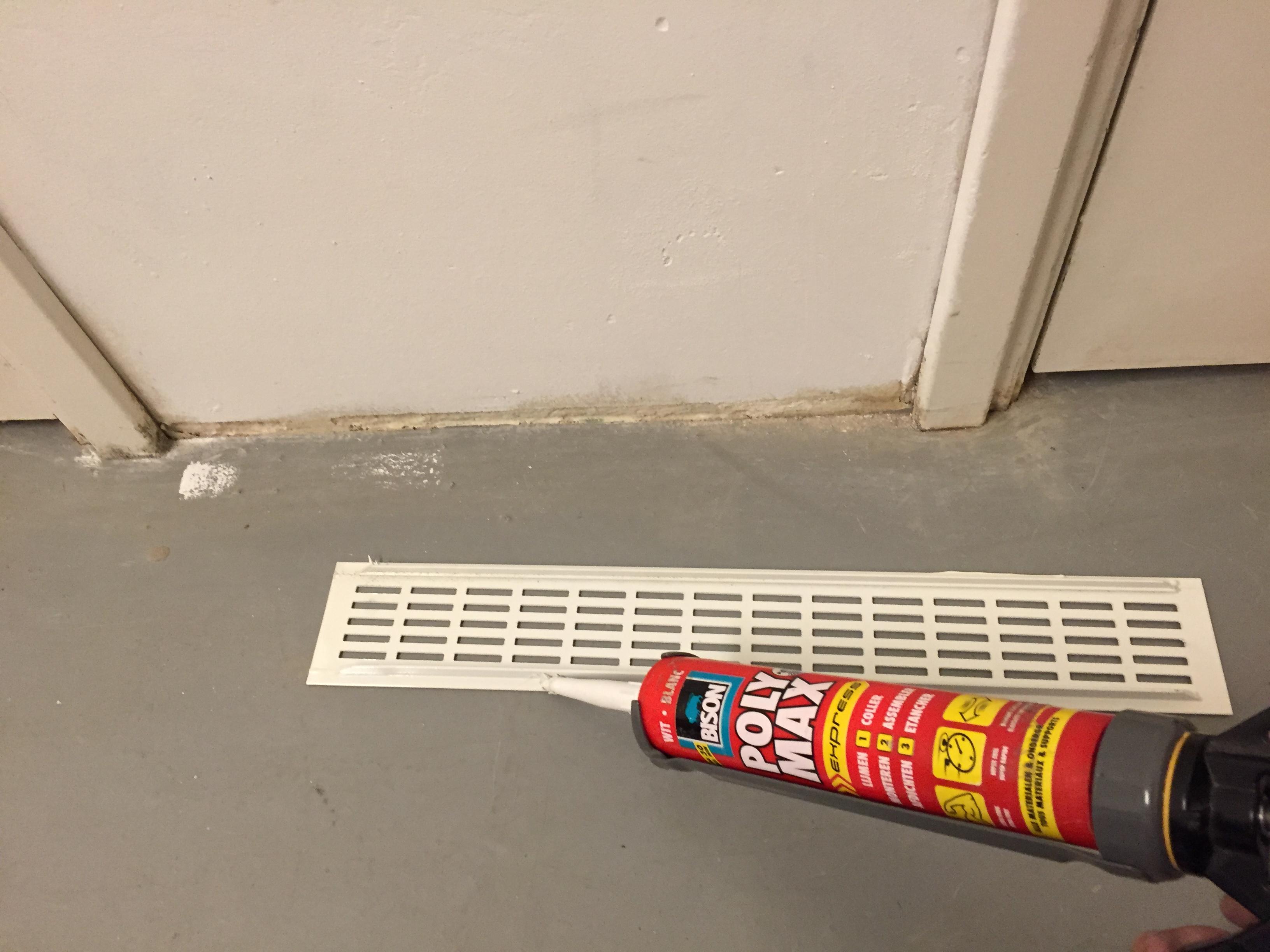 Ventilatierooster in deur maken | voordemakers.nl